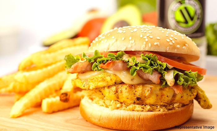 Le Foodie Cafe : Satyaniketan, Satyaniketan,New Delhi cover pic