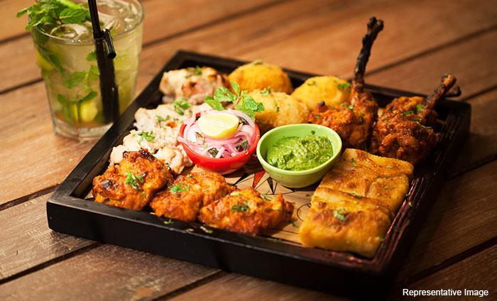 Roadside Dhaba & Cafe : Janakpuri, Janakpuri, New Delhi cover pic