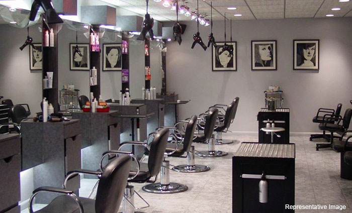 F Looks The Family Salon : Sector 2,Rohini, Rohini,New Delhi cover pic