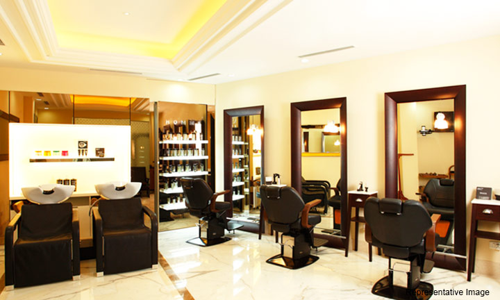 Blue Salon And Spa : Sarojini Nagar, Sarojini Nagar,New Delhi cover pic