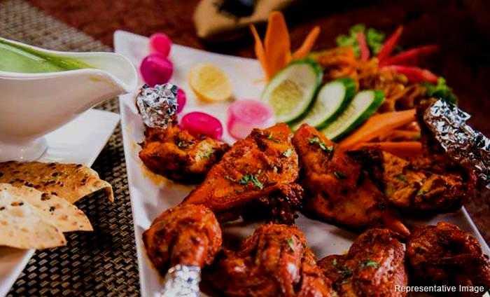 Raaf Restro Lounge : Delhi Cantt., Delhi Cantt.,  New Delhi cover pic